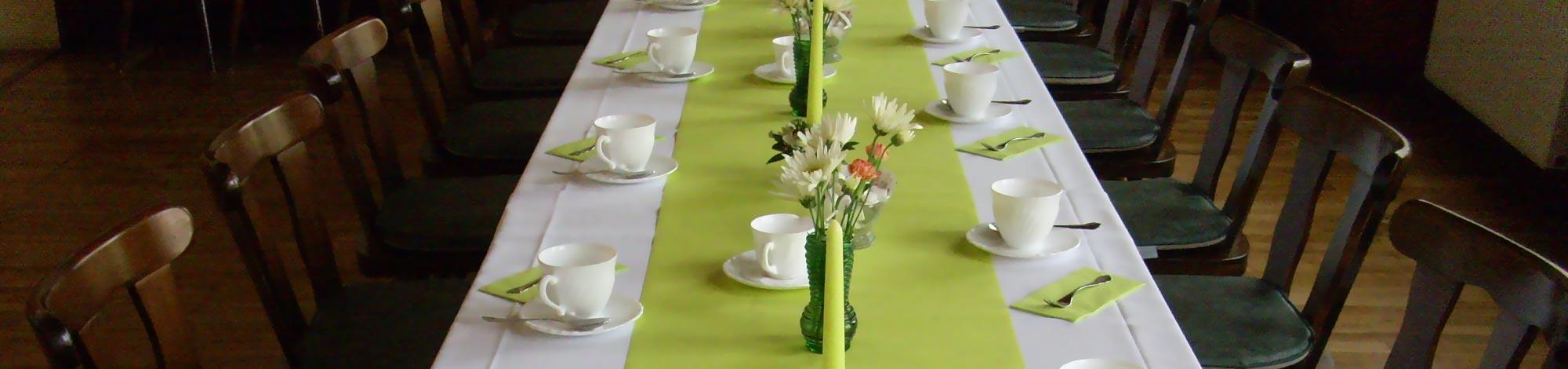 Gedeckte tafel in der Gaststätte Ratskeller in Kemberg